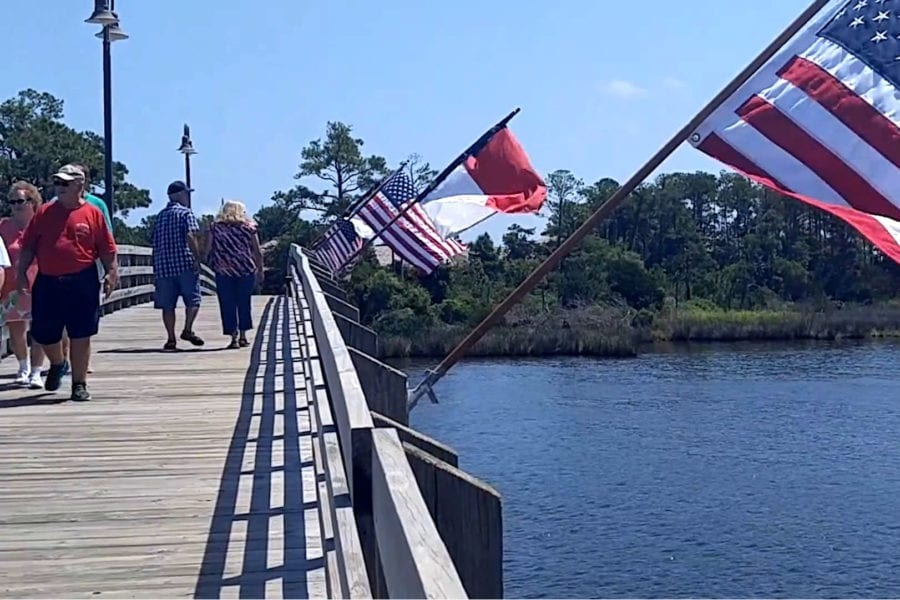 Outer Banks Daydreams: Downtown Manteo stroll