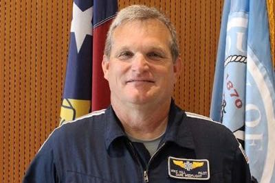 Dare Medflight pilot Mike Hill named Employee of the Year